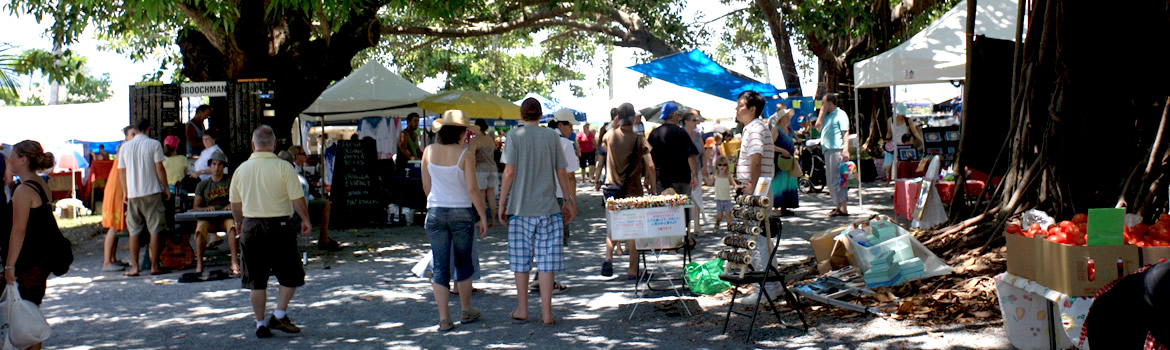 Port Douglas Markets  data-bgfit=